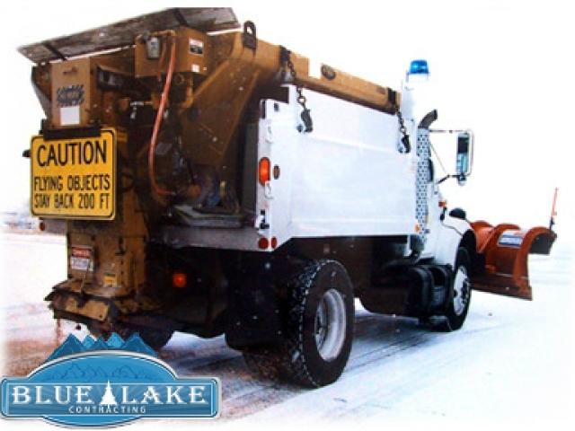 sanding-truck-snow